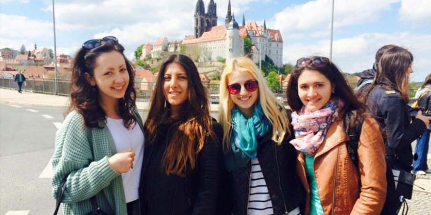 5 Benefits of Studying Abroad