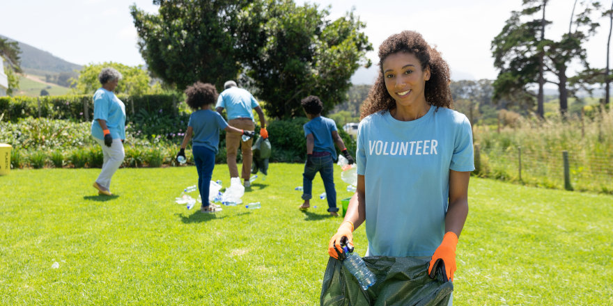 Volunteering Could Earn You Up to $5,000 This Summer