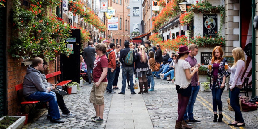From the Cathedral Quarter to Donegall Square, Belfast is the multicultural hub of Northern Ireland!