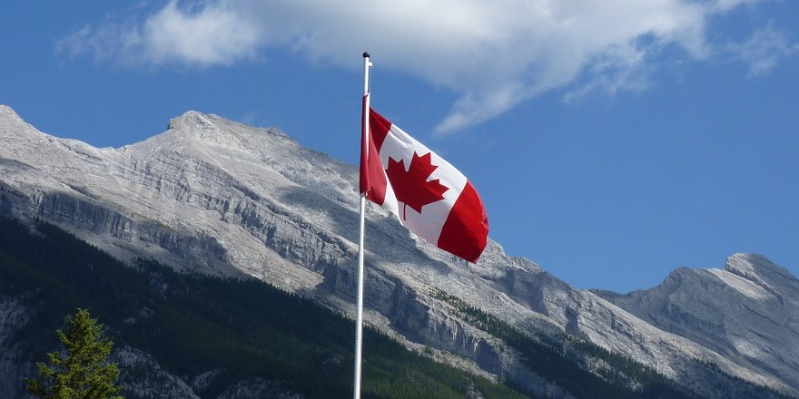 How to Travel to Canada for School This Fall